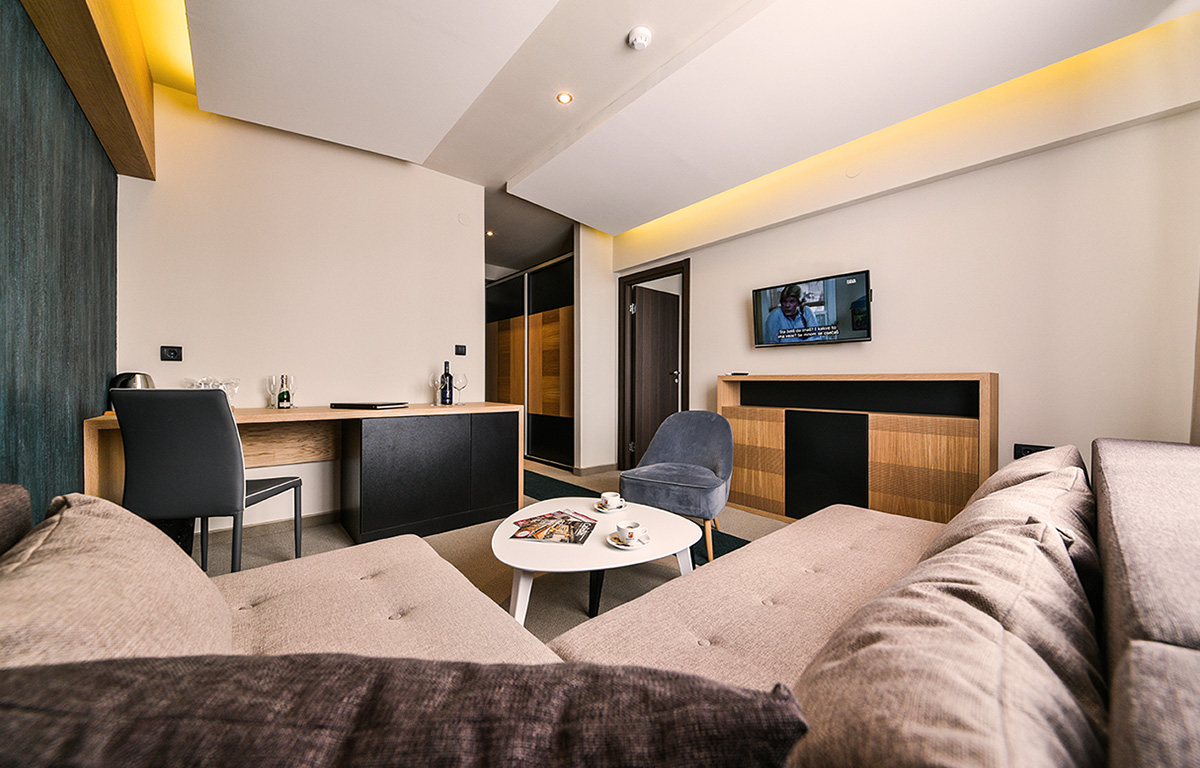http://kraljevicardaci.com/wp-content/uploads/2019/08/hotelski-apartman.jpg