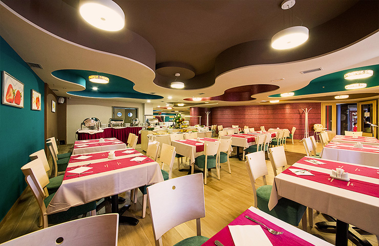 http://kraljevicardaci.com/wp-content/uploads/2019/11/related-pansionski-restoran.jpg