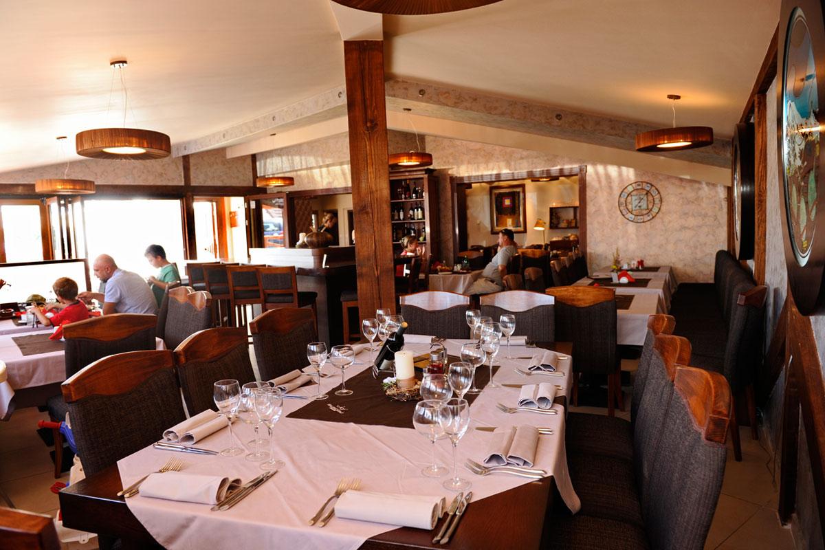 http://kraljevicardaci.com/wp-content/uploads/2019/11/restaurant-thumbnail-bars-and-restaurants.jpg