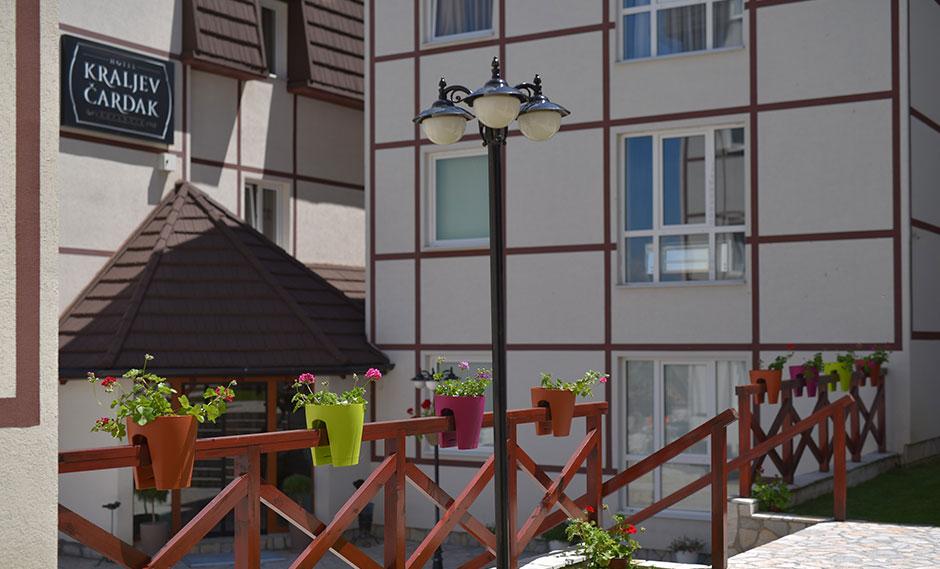 http://www.kraljevicardaci.com/wp-content/uploads/2020/04/cenvnik-leto-hotel.jpg